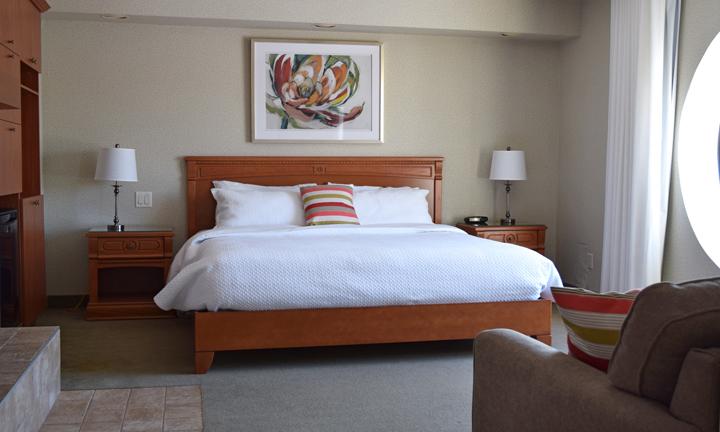 suites h tel castel spa confort granby qu bec. Black Bedroom Furniture Sets. Home Design Ideas